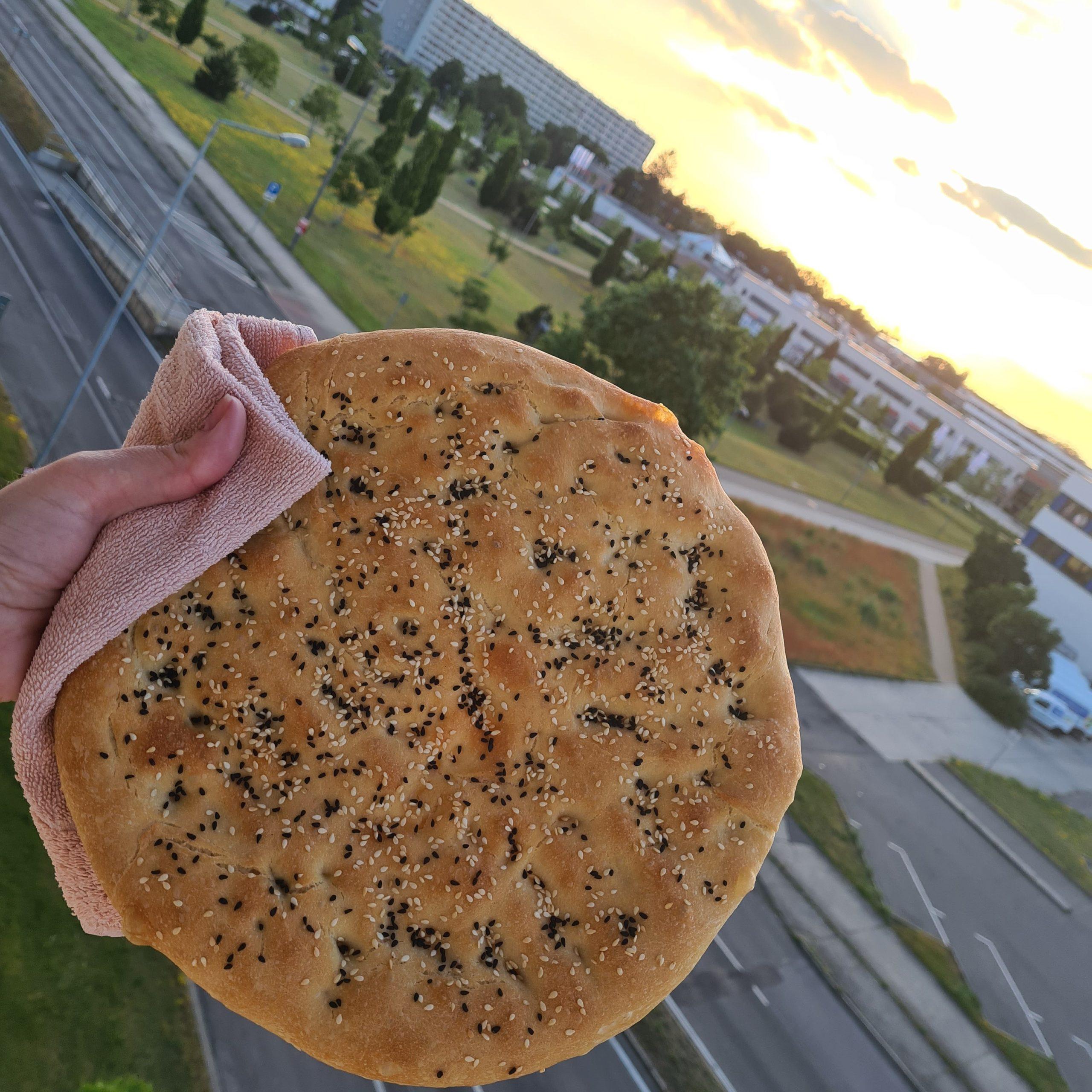 Brot vor Stadtpanorama