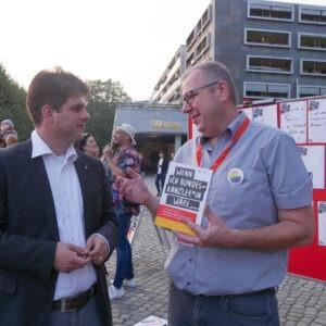Henning Schuhmann und Ilko Keßler beim Gastmahl
