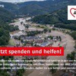Spendenaufruf, im Hintergrund ein überflutetes Dorf