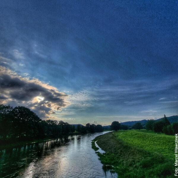 Elbe in der blauen Stunde