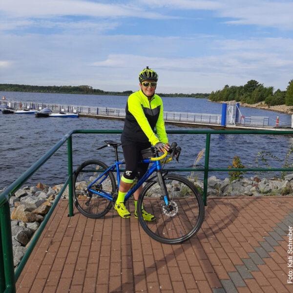 In der Sonne mit dem Fahrrad am Bärwalder See