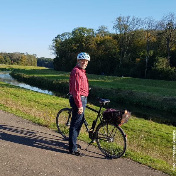 Mit dem Fahrrad am Fluss
